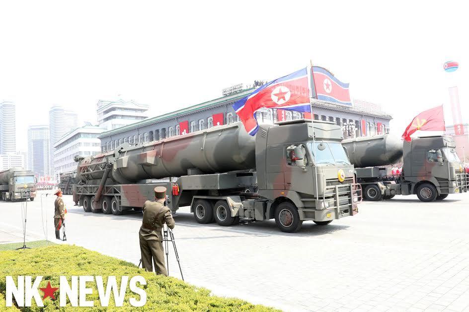 Corée du Nord : sous-marin lance-missile balistique - Page 2 C9br6r10