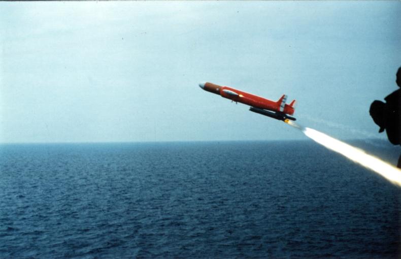 [ Les armements dans la Marine ] Les tirs en tous genres du missiles aux grenades via les mitrailleuses Malafo10