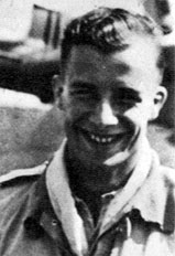 Photos aviateurs allemands ww2 Adolf Galland? Gallan10