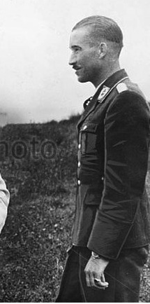 Photos aviateurs allemands ww2 Adolf Galland? Gallan11