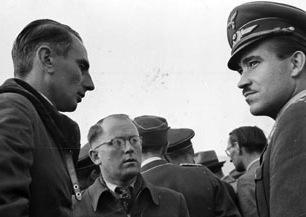 Photos aviateurs allemands ww2 Adolf Galland? Gallan12