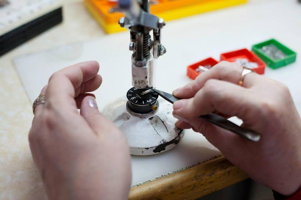 Photos des usines de montres Russes 15457510