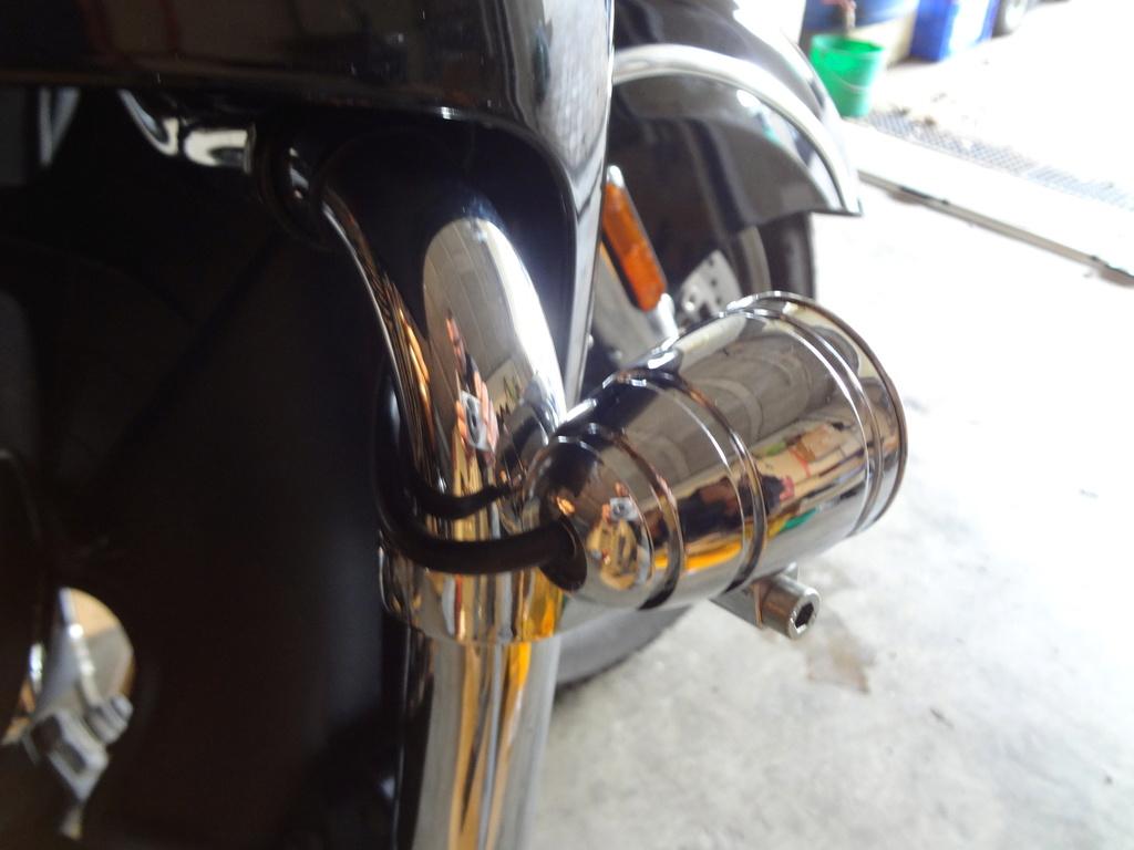 Ajouter des phares à LED sur les pare-cylindres ? Dsc08113