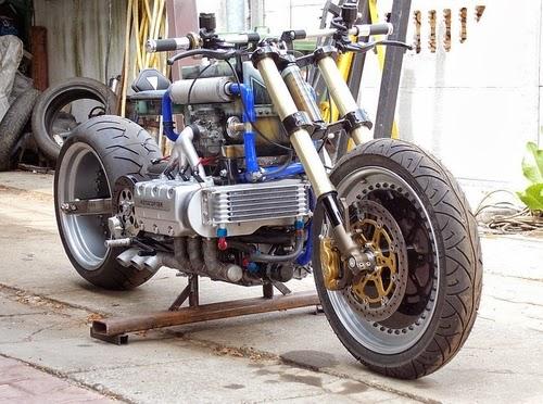 Dirty goldie ou le retour de la péniche - Page 5 Motoco11