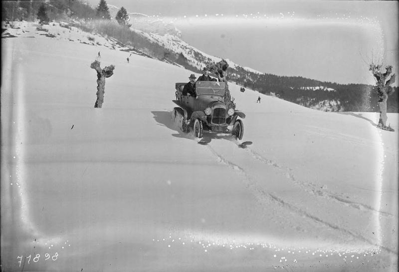 Concours de voitures à neige au Col du Sappey le 9 Février 1922 131210