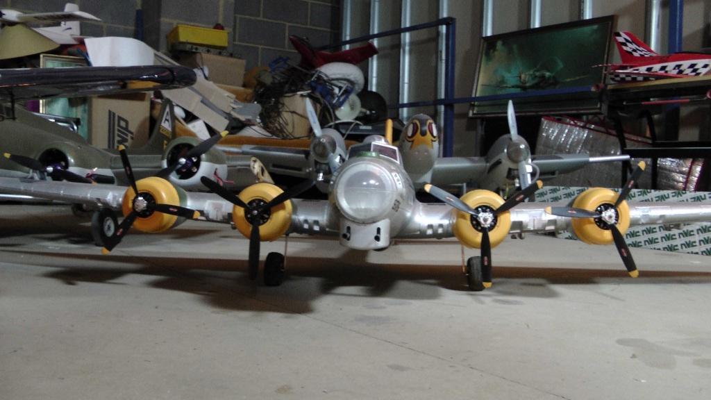 Detailing new planes Sm_b-110