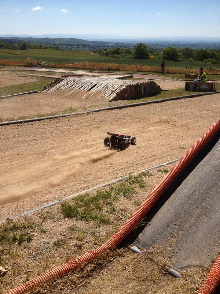 [Reportage course] GP - AMCH63 du 17-18 mai 2014 - Page 2 10312410
