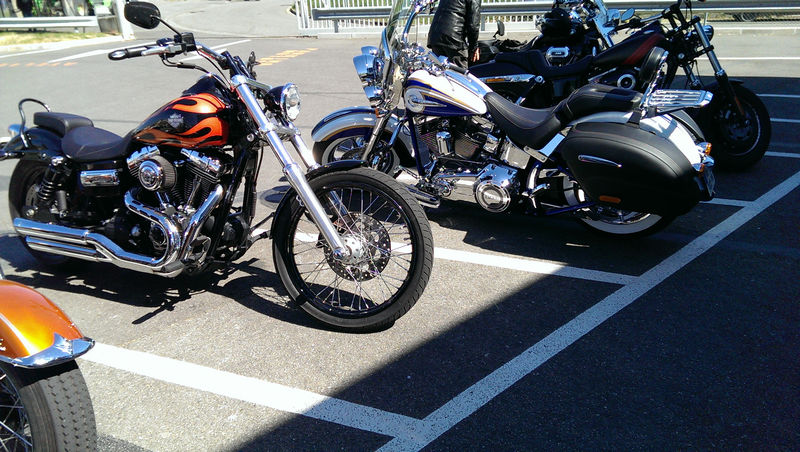 CVO Softail Deluxe 2014 Candy Cobalt: the Blue Diamond - Page 2 L_imag44