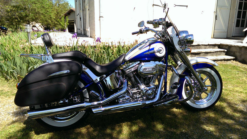 CVO Softail Deluxe 2014 Candy Cobalt: the Blue Diamond - Page 2 L_imag48