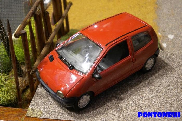 * 01 - Renault ( Les modernes post-1990 )  Dscn6518