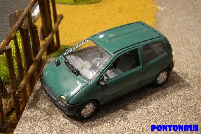 * 01 - Renault ( Les modernes post-1990 )  Dscn6519