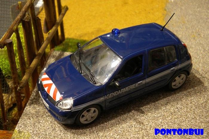 * 01 - Renault ( Les modernes post-1990 )  Dscn6529