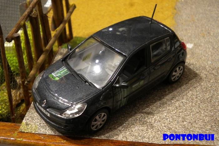 * 01 - Renault ( Les modernes post-1990 )  Dscn6531