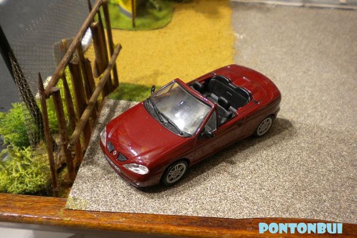 * 01 - Renault ( Les modernes post-1990 )  Dscn6537