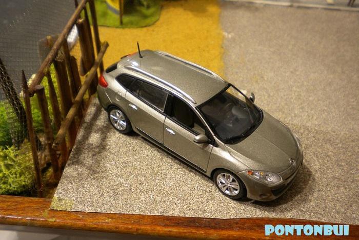 * 01 - Renault ( Les modernes post-1990 )  Dscn6540