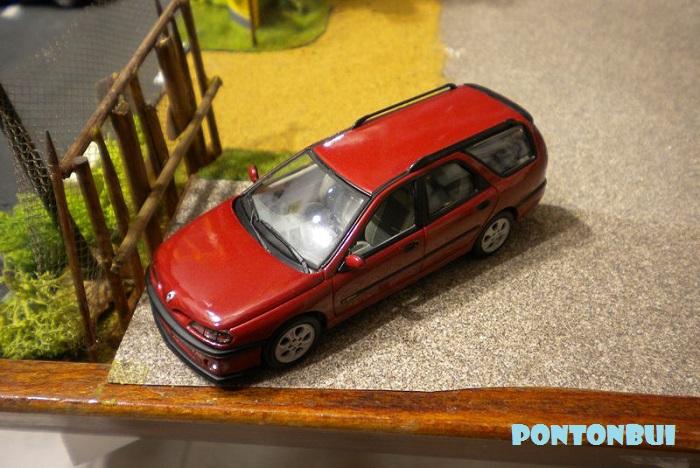 * 01 - Renault ( Les modernes post-1990 )  Dscn6542