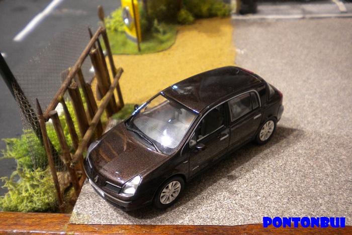 * 01 - Renault ( Les modernes post-1990 )  Dscn6545