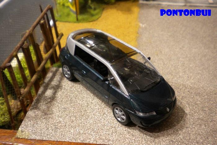 * 01 - Renault ( Les modernes post-1990 )  Dscn6546