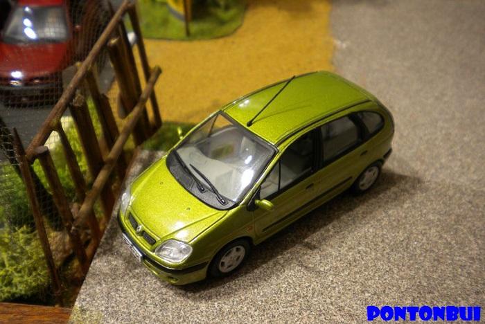 * 01 - Renault ( Les modernes post-1990 )  Dscn6547