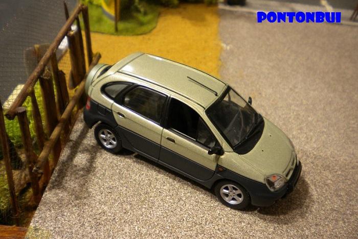 * 01 - Renault ( Les modernes post-1990 )  Dscn6548