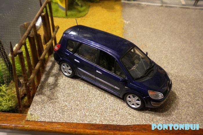 * 01 - Renault ( Les modernes post-1990 )  Dscn6550