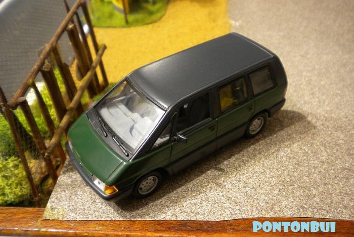 * 01 - Renault ( Les modernes post-1990 )  Dscn6552