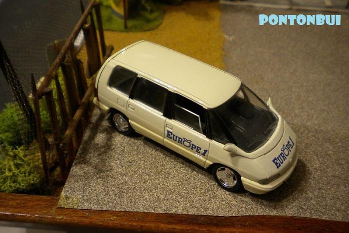 * 01 - Renault ( Les modernes post-1990 )  Dscn6553