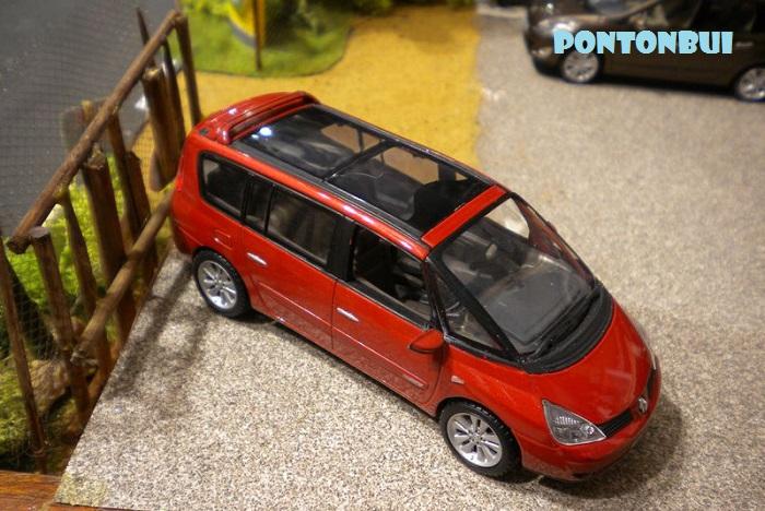 * 01 - Renault ( Les modernes post-1990 )  Dscn6554