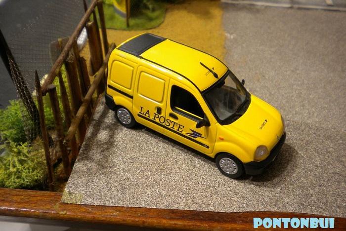 * 01 - Renault ( Les modernes post-1990 )  Dscn6560