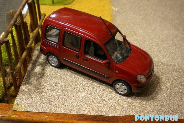 * 01 - Renault ( Les modernes post-1990 )  Dscn6562