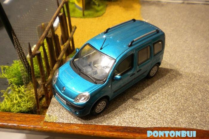 * 01 - Renault ( Les modernes post-1990 )  Dscn6563