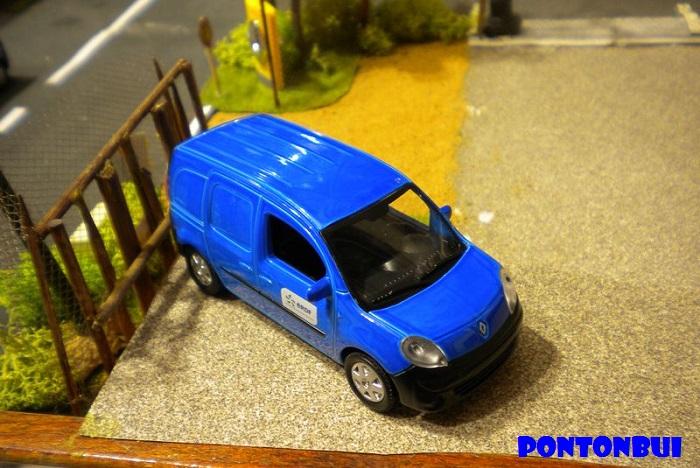 * 01 - Renault ( Les modernes post-1990 )  Dscn6565