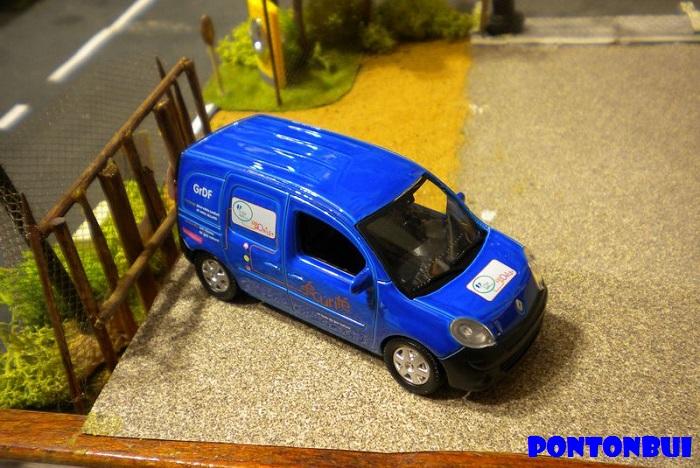 * 01 - Renault ( Les modernes post-1990 )  Dscn6566