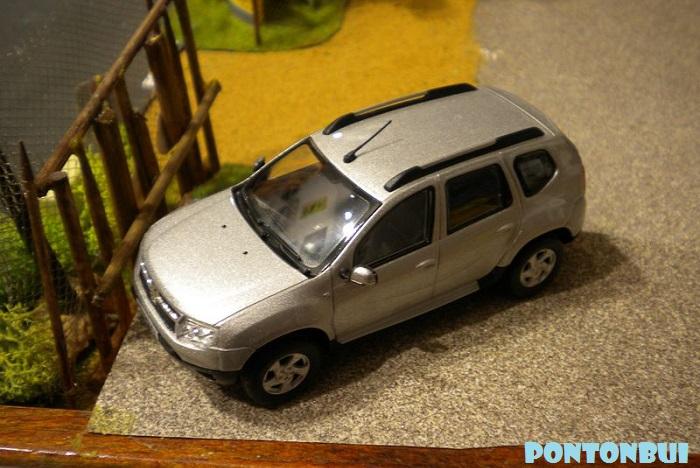 * 01 - Renault ( Les modernes post-1990 )  Dscn6573