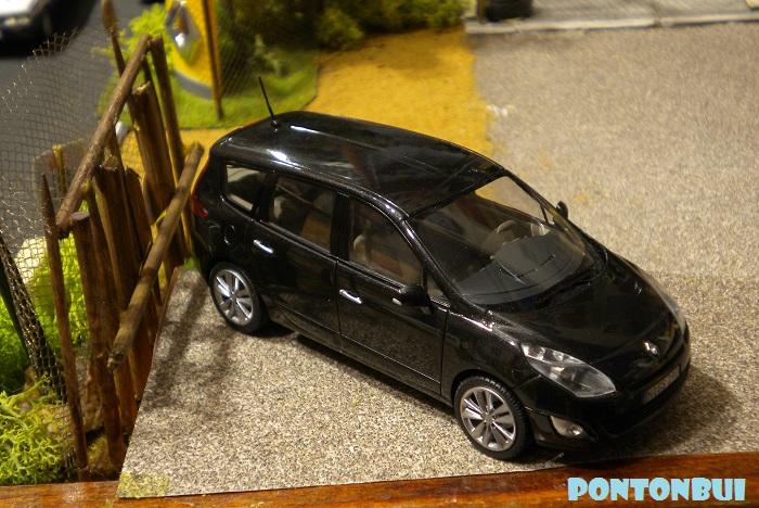 * 01 - Renault ( Les modernes post-1990 )  Dscn6614
