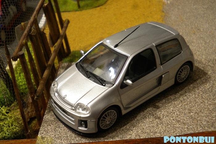 * 01 - Renault ( Les modernes post-1990 )  Dscn6658