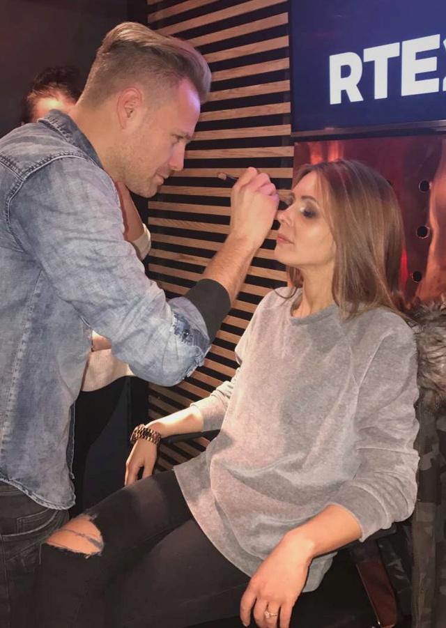 Nicky ¿Artista del maquillaje? 004710