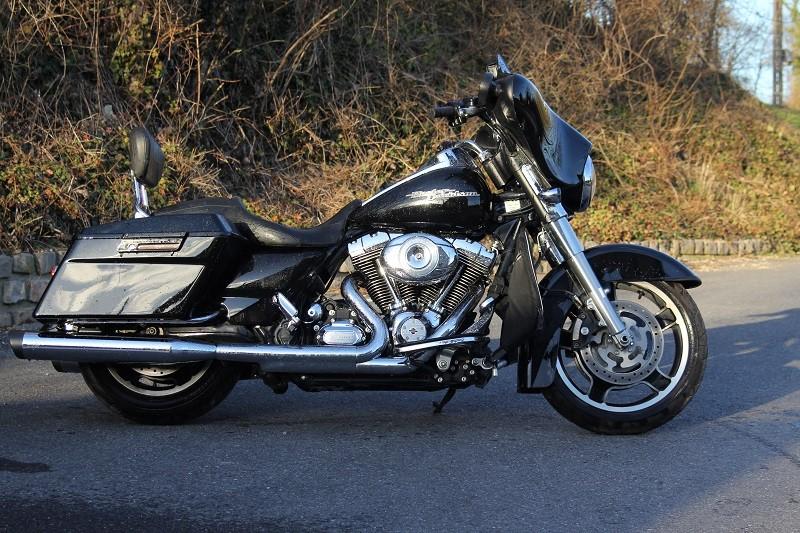 combien de STREET GLIDE  sur le forum Passion-Harley - Page 4 012_8010