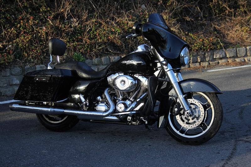 combien de STREET GLIDE  sur le forum Passion-Harley - Page 4 014_8010
