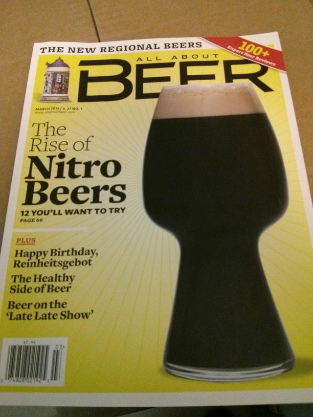 53 revues de bières à vendre pour 25$ (valeur d'environ 200$ US). Reviens à 0,50$/revue. Bonus inclus !!! Img_2013