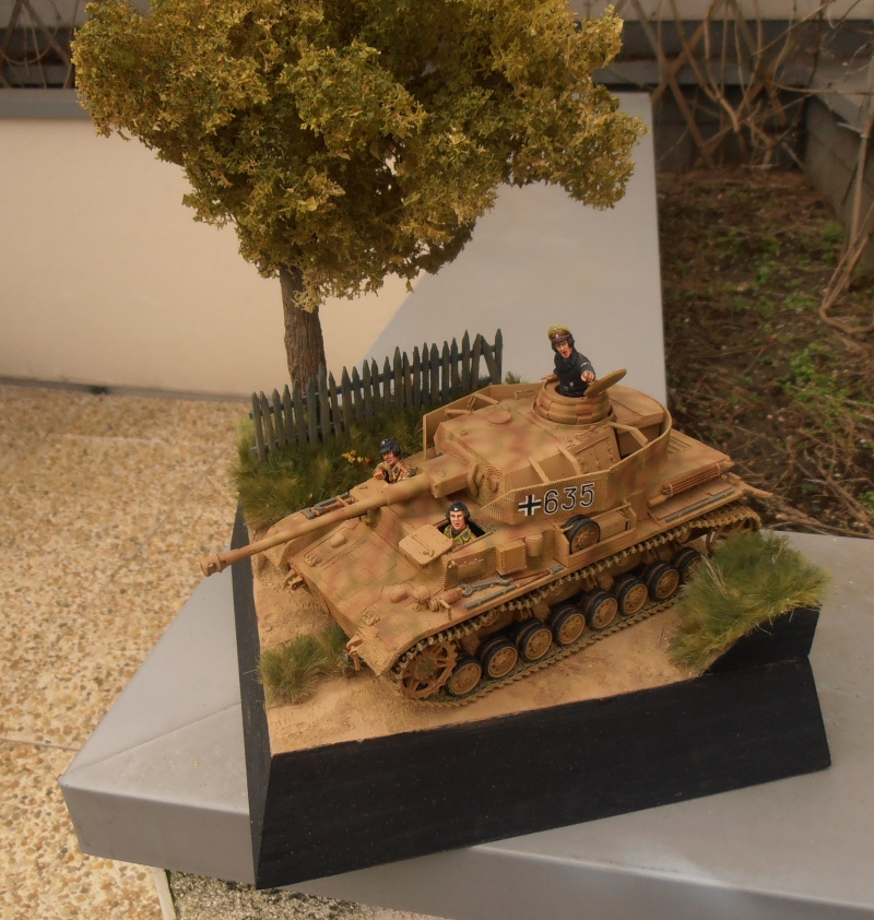 Achtung jabo  ( panzer IV ausf j tamiya, 1/35eme ) P1120710