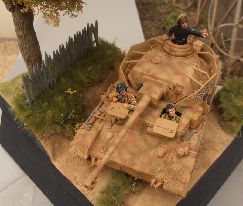 Achtung jabo  ( panzer IV ausf j tamiya, 1/35eme ) P1120711