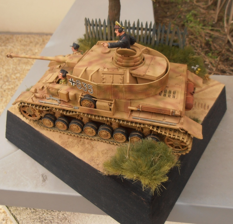 Achtung jabo  ( panzer IV ausf j tamiya, 1/35eme ) P1120713
