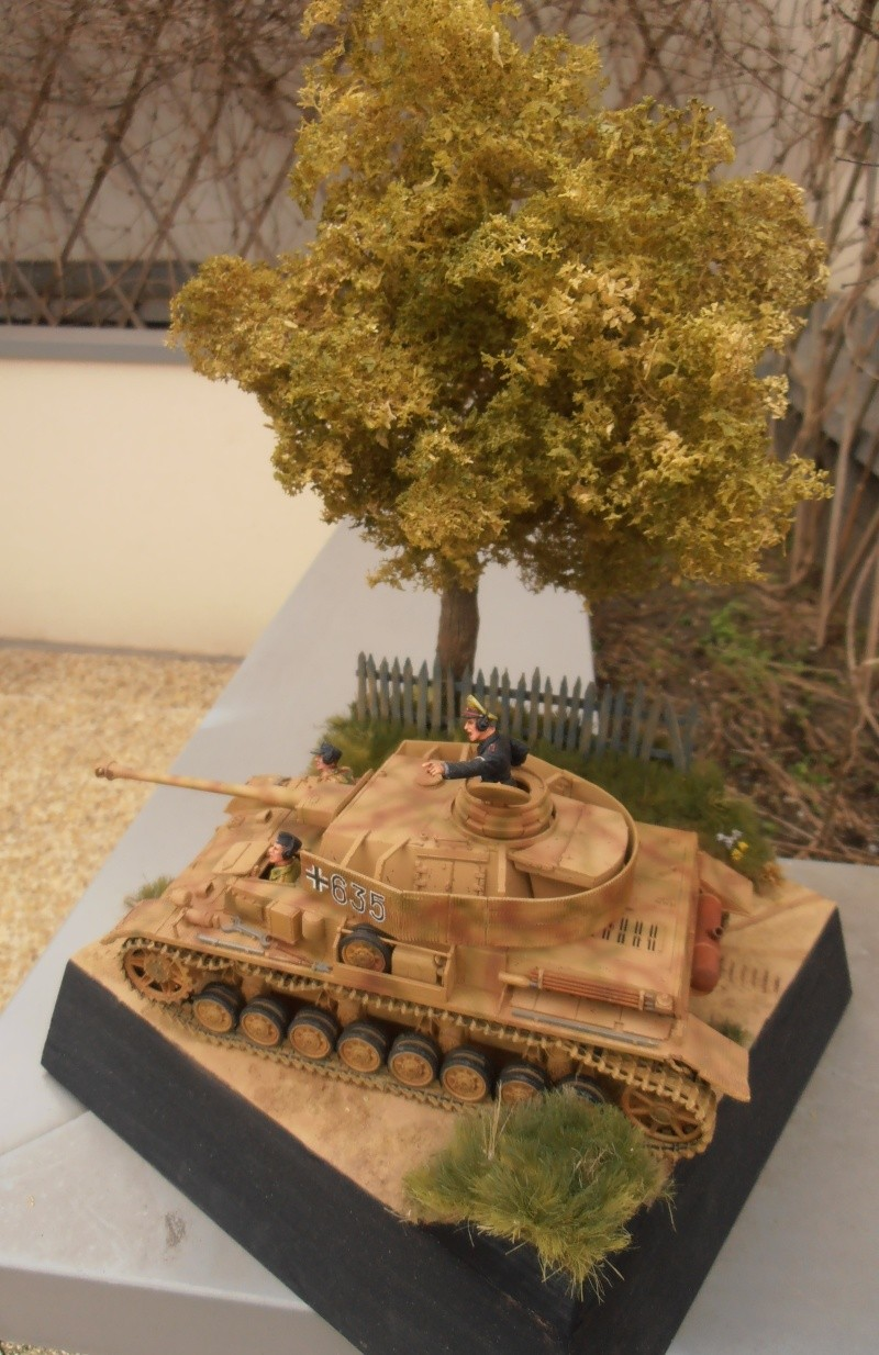 Achtung jabo  ( panzer IV ausf j tamiya, 1/35eme ) P1120714
