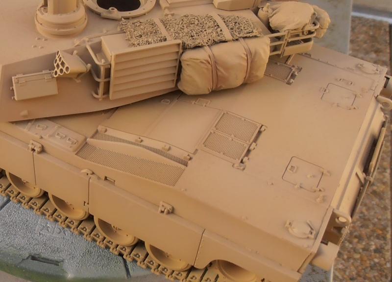 peinture - M1a1 Abrams ( la peinture ) - Page 2 P2091011