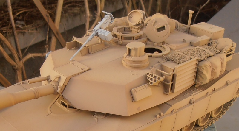 peinture - M1a1 Abrams ( la peinture ) - Page 2 P2091012