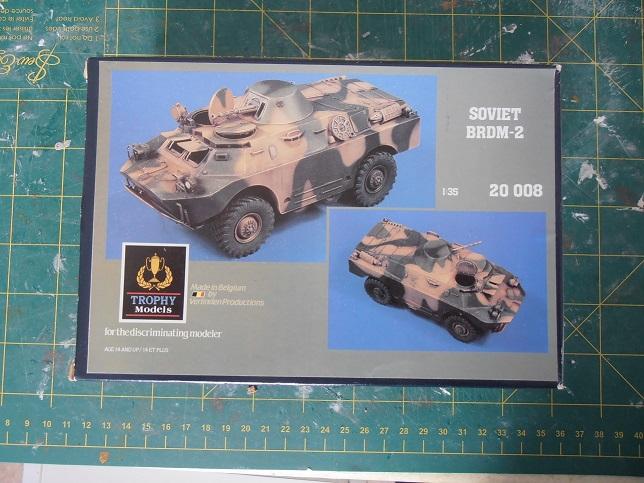BRDM 2 serbe police militaire ( verlinden au 1/35eme ) P2120710