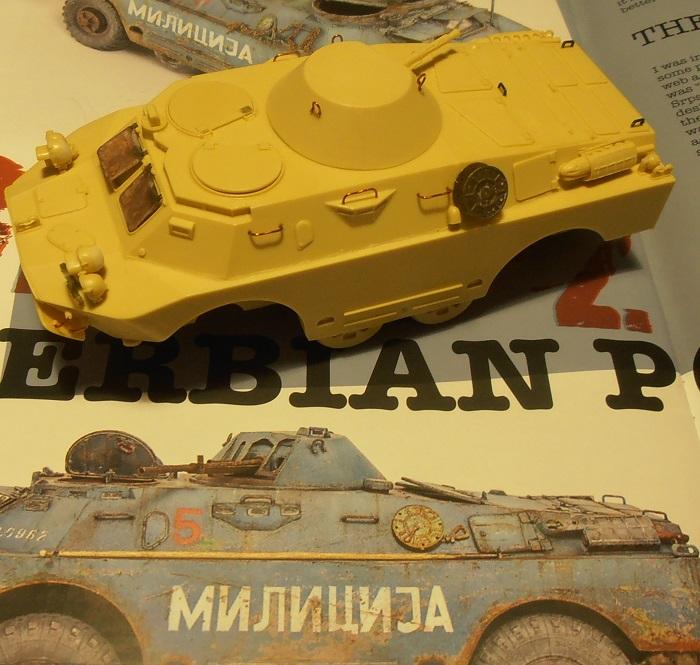 BRDM 2 serbe police militaire ( verlinden au 1/35eme ) P2130711