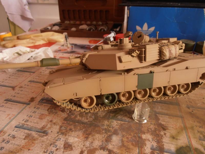 peinture - M1a1 Abrams ( la peinture ) - Page 2 P2221215