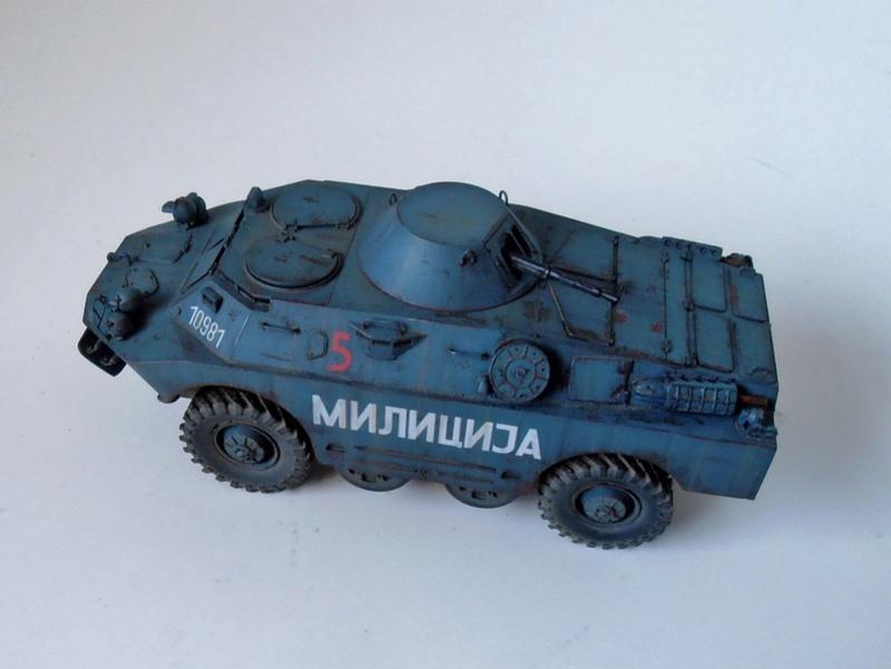 BRDM 2 serbe police militaire ( verlinden au 1/35eme ) P3020916